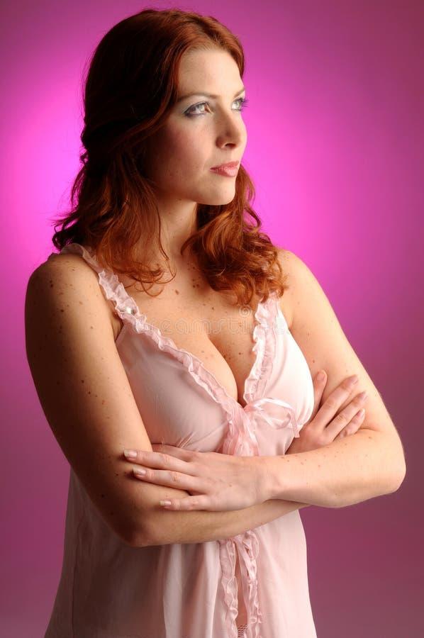 有吸引力的红头发人妇女年轻人 库存照片