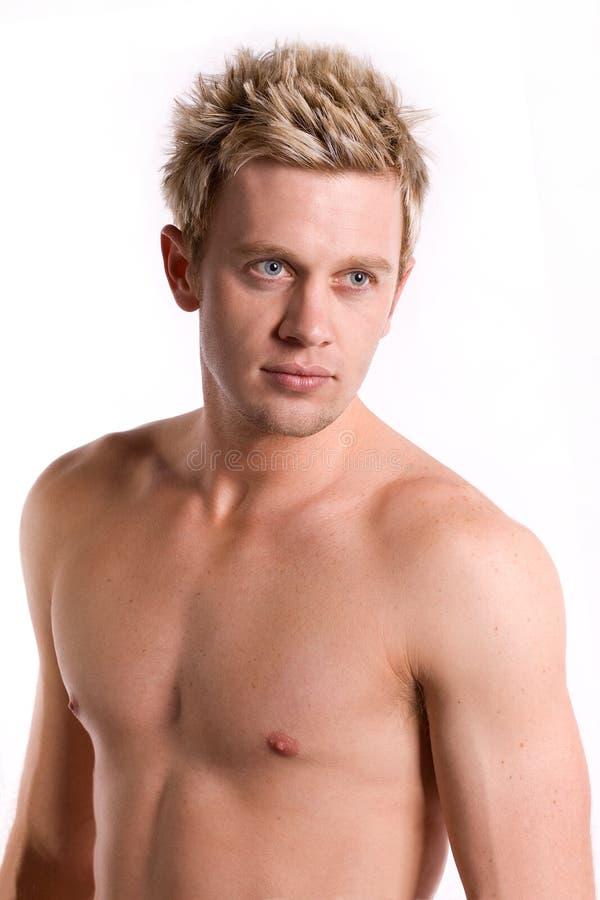 有吸引力的胸部赤裸的人年轻人 免版税库存照片