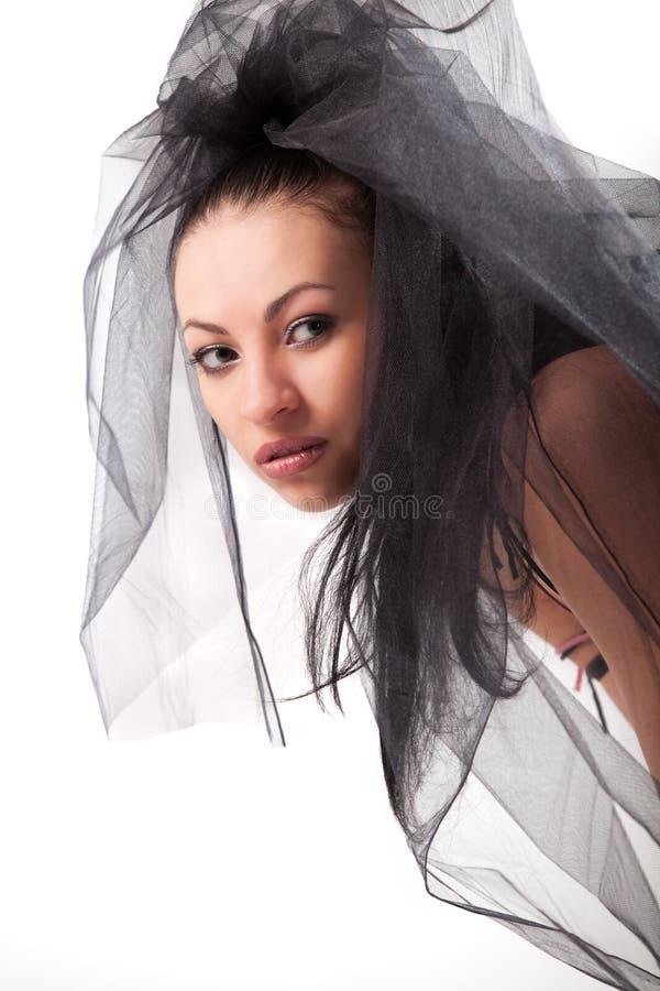 有吸引力的黑色白种人女性面纱 免版税库存照片