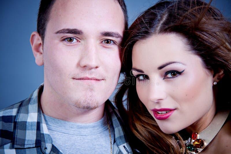 有吸引力年轻夫妇魅力称呼 免版税库存照片