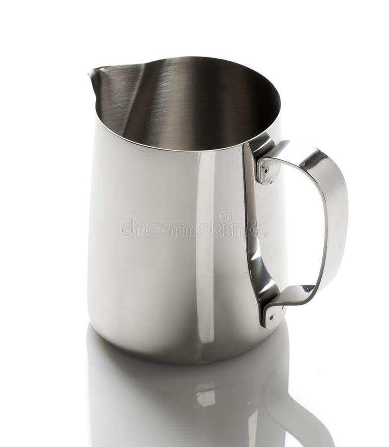 有喷口的金属杯子 免版税图库摄影