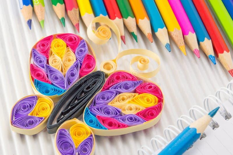 有图画和文字设备的五颜六色的铅笔 免版税库存图片
