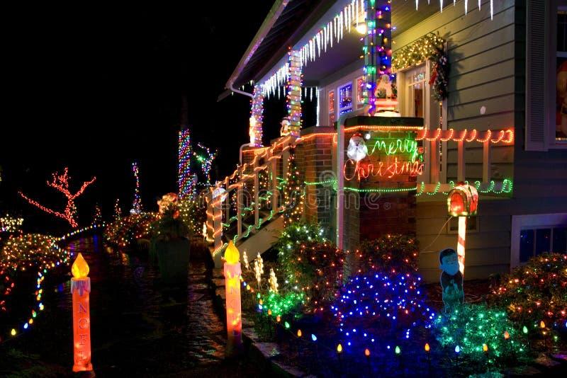 有圣诞灯的之家 免版税图库摄影