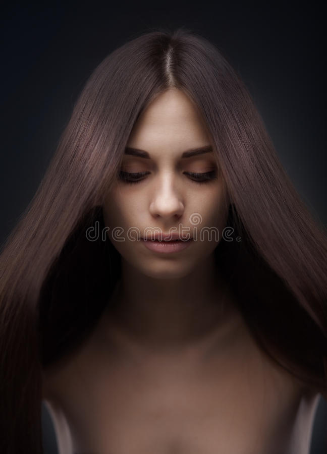 有长的头发的美丽的妇女 图库摄影