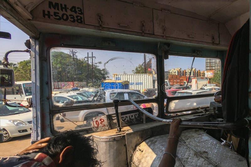 有堵车在kalyan patri的普尔靠近孟买马哈拉施特拉印度 免版税图库摄影