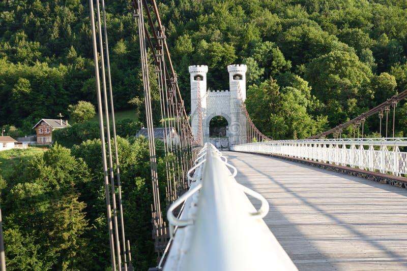 有塔的桥梁 免版税库存图片