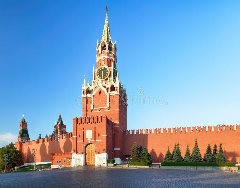 有塔的,俄罗斯-莫斯科红场克里姆林宫墙壁 库存图片