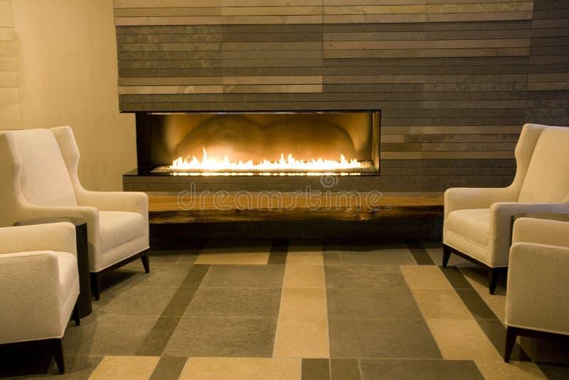 有壁炉的豪华客厅 免版税库存图片