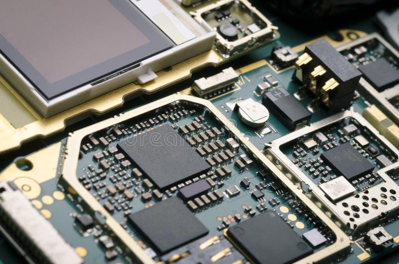 有处理器、电阻器和半导体组分特写镜头的电子委员会 免版税图库摄影