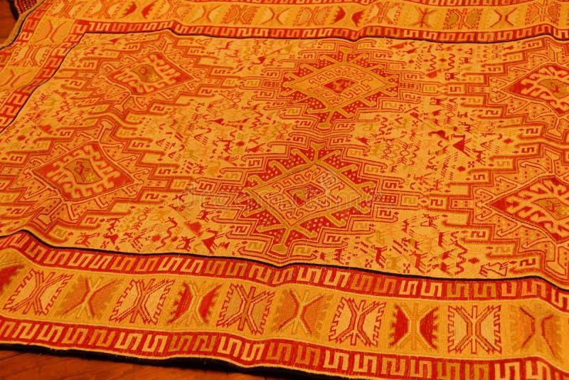有复杂库尔德样式的重叠的地毯 免版税库存图片
