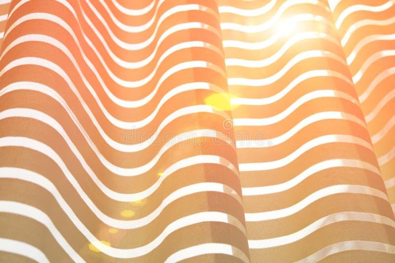 Download 有太阳光的帷幕 库存图片. 图片 包括有 空间, 晴朗, 装饰, 居住, 卷曲, 视窗, 梦想, 光束, 平静 - 72372217