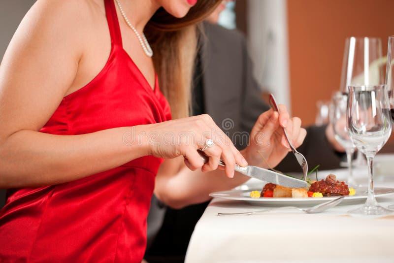 有夫妇的正餐餐馆 库存图片