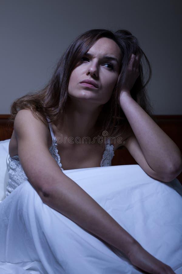 有失眠的少妇 免版税库存图片
