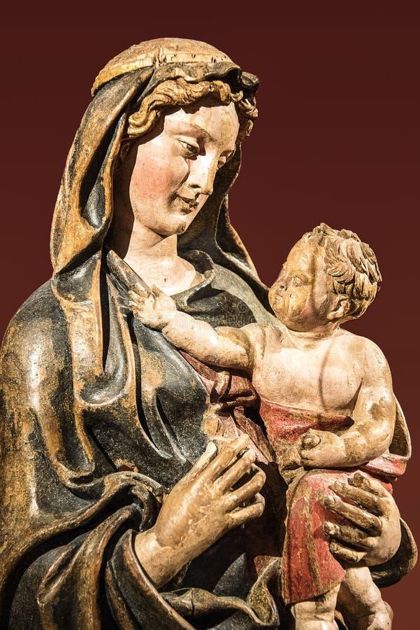 有孩子的耶稣圣母玛丽亚 库存照片