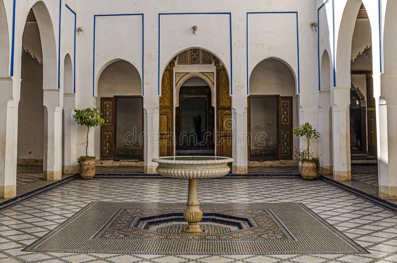 有它的喷泉的摩洛哥主要庭院 马拉喀什摩洛哥 库存照片