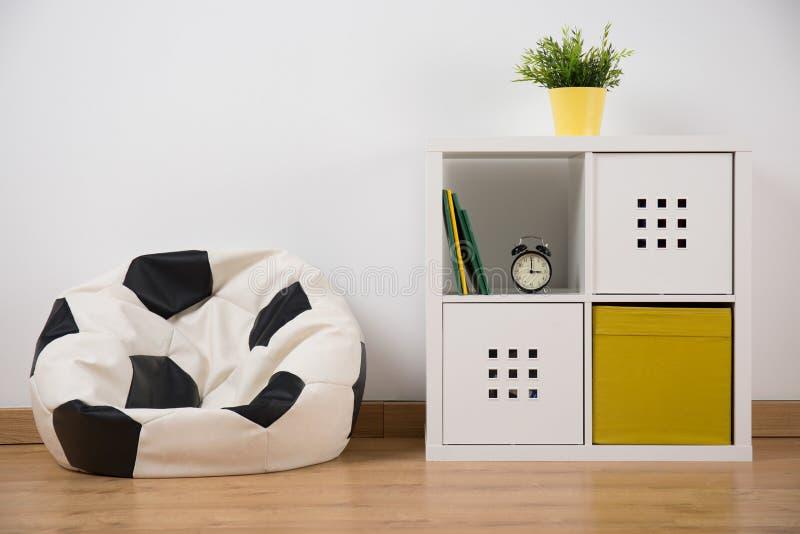 有家具的简单的室 库存照片