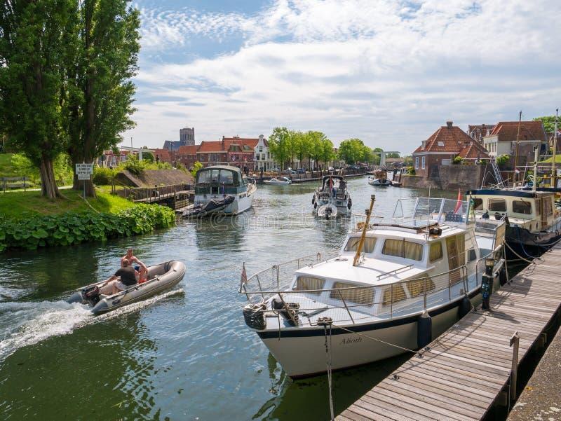 有小船的港口在布里勒,荷兰 免版税库存图片