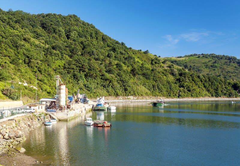 有小船的湖 免版税库存照片