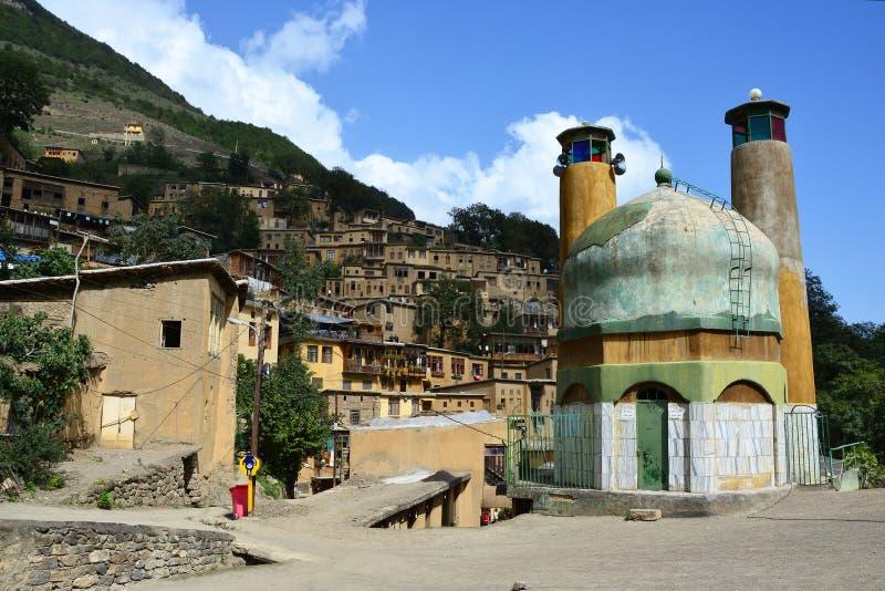 有尖塔的一点清真寺有彩色玻璃的在Masouleh 库存照片