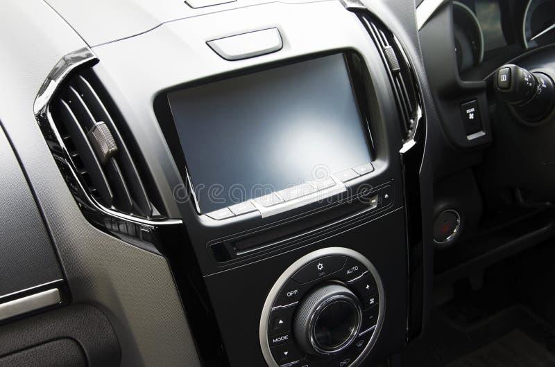 有屏幕的控制台在汽车 库存图片