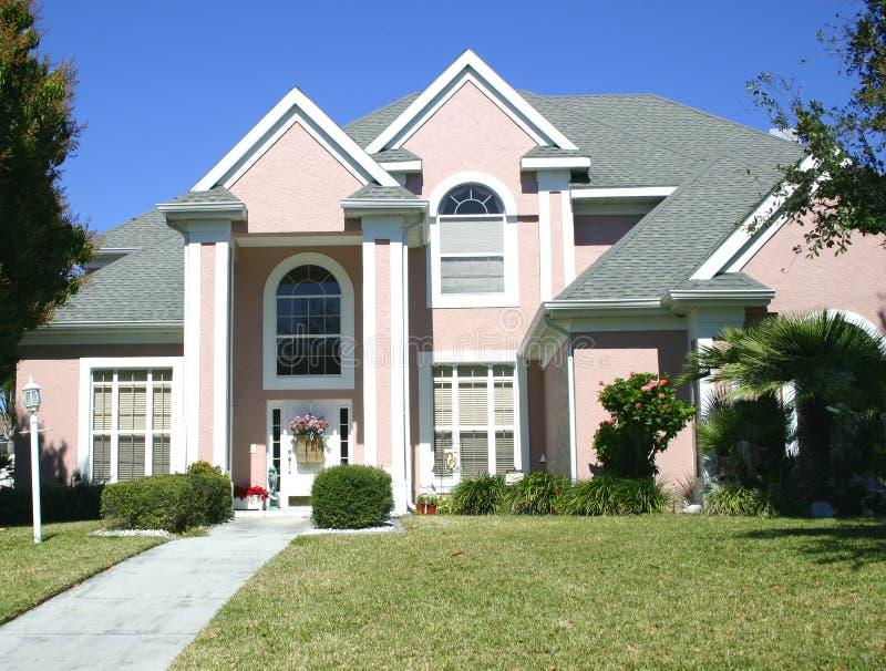 有山墙的房子粉红色 库存照片