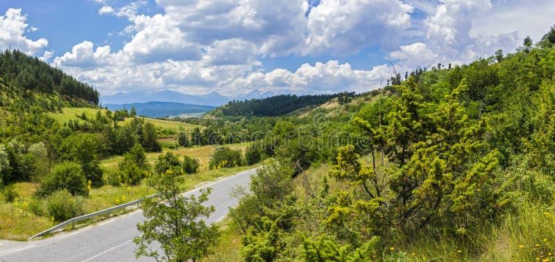 有山风景的全景在Pirin国家公园 库存照片