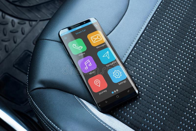 有巧妙的汽车的app现代巧妙的电话在乘客皮革位子 免版税库存照片