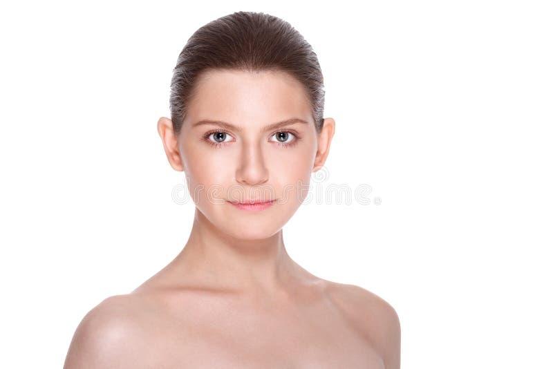 有干净的新鲜的皮肤的美丽的少妇 面部治疗 整容术 图库摄影