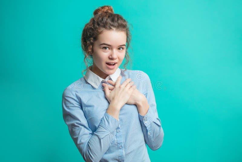 有开放嘴的窘迫年轻女性 免版税图库摄影