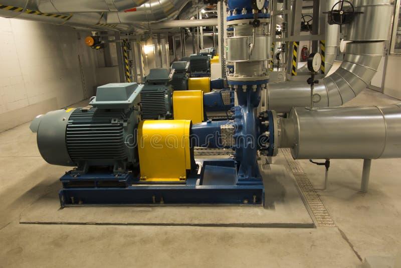 有引擎的几个泵浦在供水系统 图库摄影