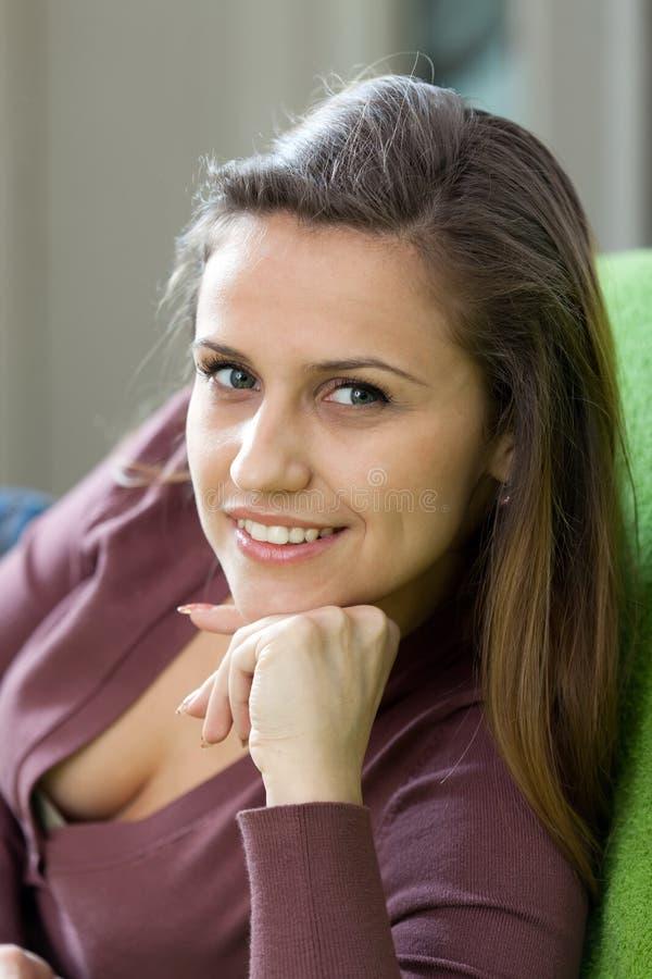 有微笑的美丽的妇女其它 免版税库存图片