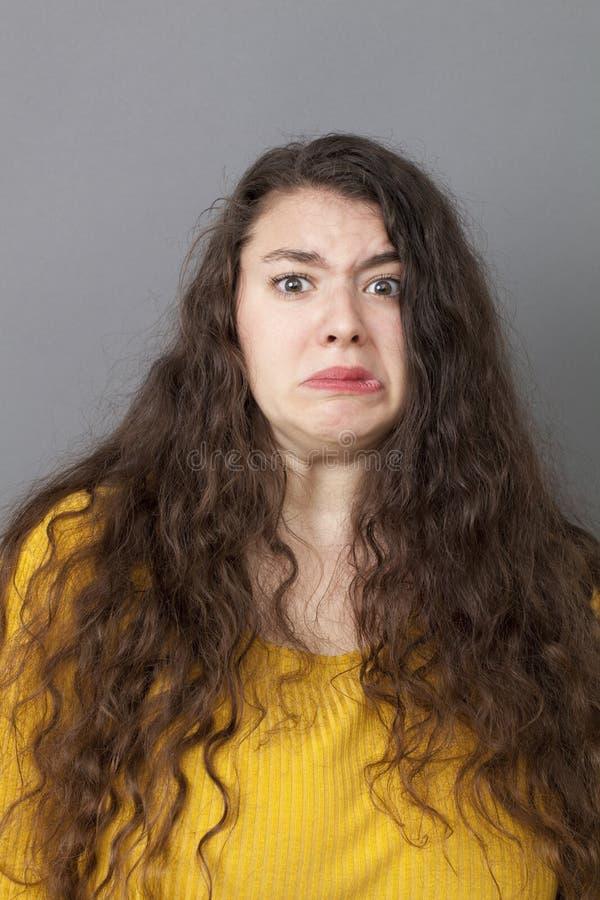 有急切的少妇恐惧 免版税库存图片