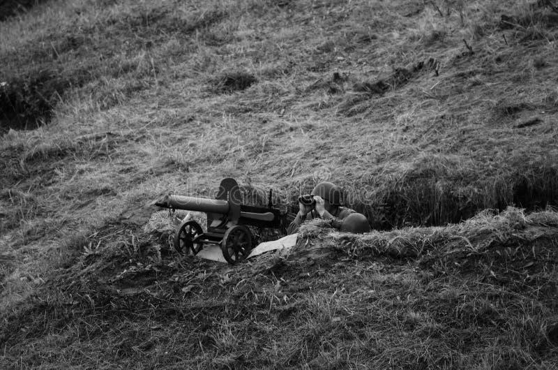 有战士的机枪 免版税库存图片