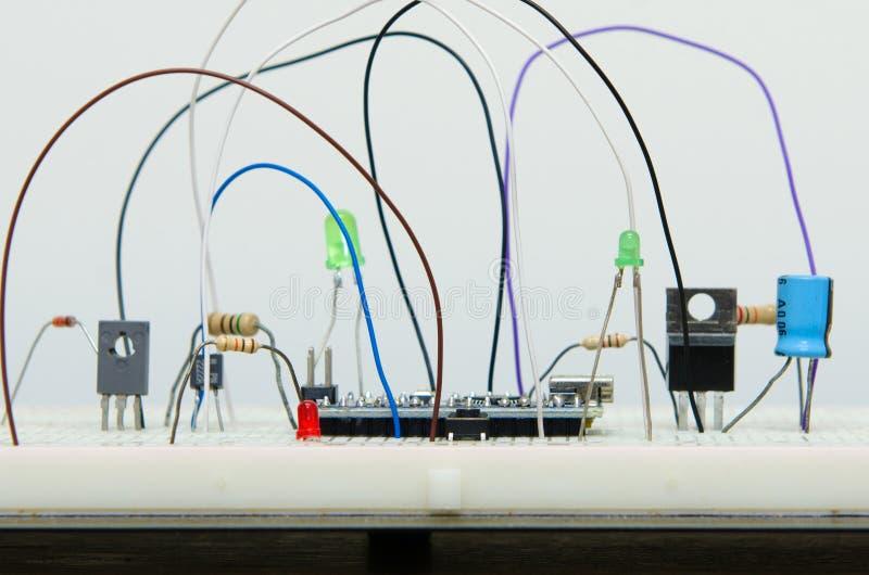 有抵抗者的, tran电子线路板diy微型控制器 库存图片
