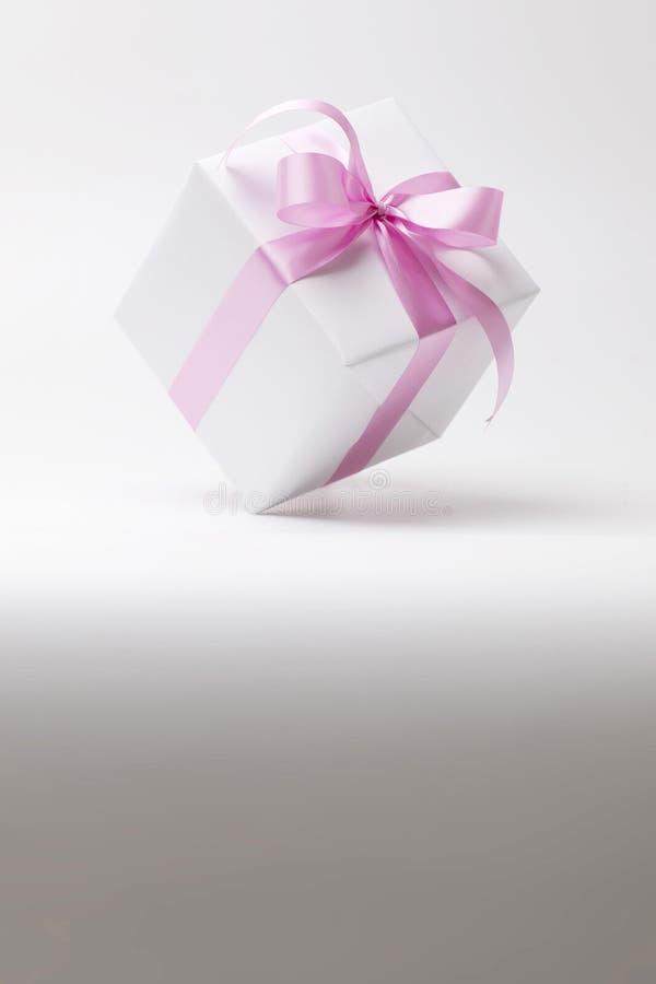 有拷贝空间的白色礼物盒 库存图片