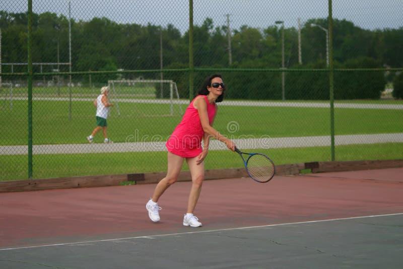 有效的球员前辈网球 免版税库存图片