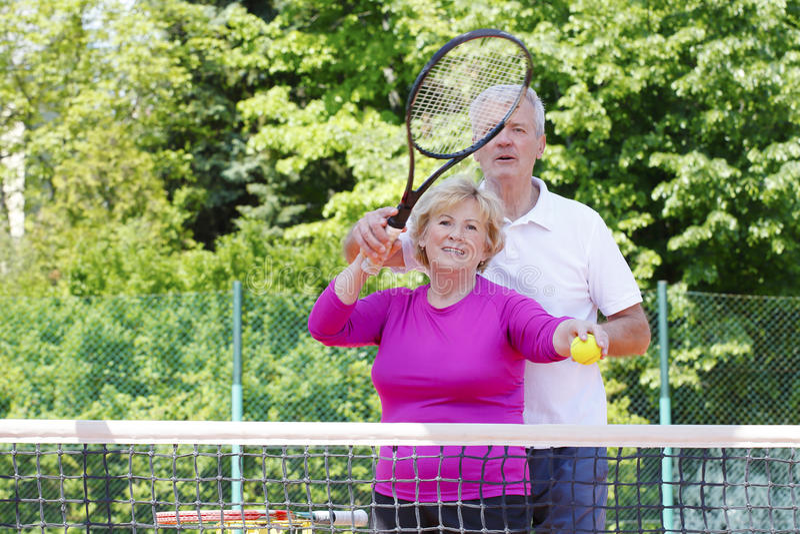 有效的球员前辈网球 免版税库存照片