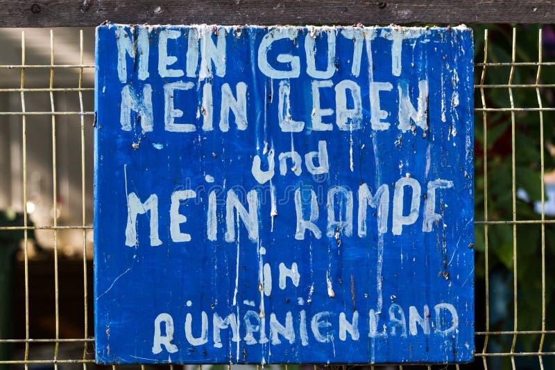 有文本的行情老板材在德语 免版税库存照片