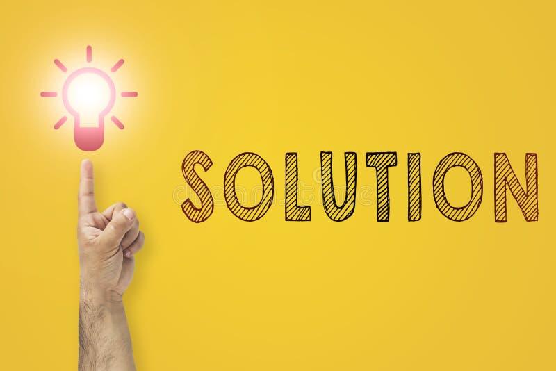有新的创造性的想法概念 问题解答隐喻 指向在电灯泡的手指作为大新的想法的标志 向量例证