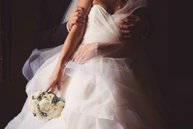 有新郎的新娘 免版税库存照片