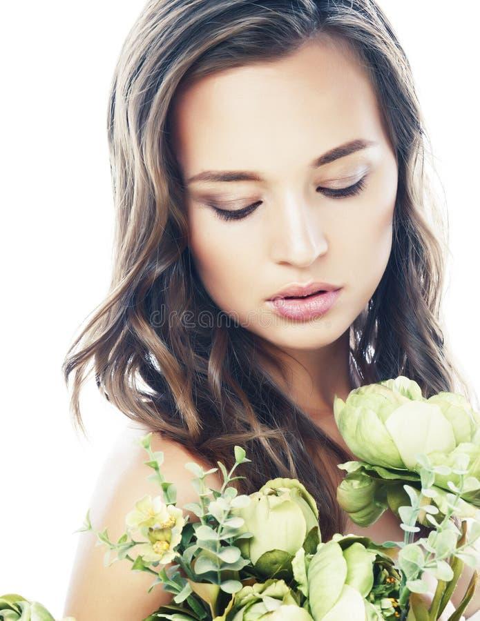 有新鲜的绿色花裸体构成的,自然时尚概念关闭年轻俏丽的妇女被隔绝 免版税库存照片
