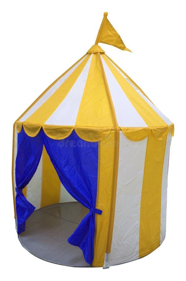 有旗子的开放儿童马戏场帐篷在上面 免版税库存图片