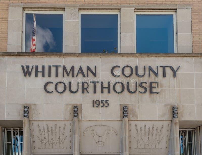 有旗子的惠特曼县法院大楼 库存图片