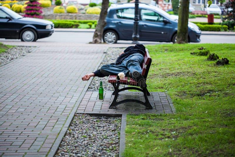 有无家可归者的公园 免版税库存图片