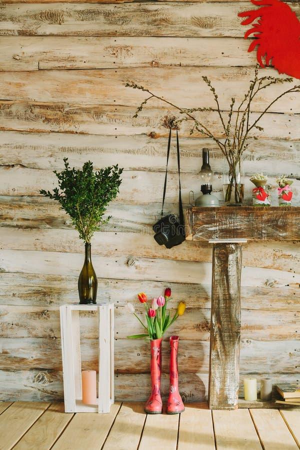 大黑鸡吧愹il�l`y�/9�-yol_有春天的五颜六色的雨靴开花,蜡烛,石头, olil l. 装饰, 花束.