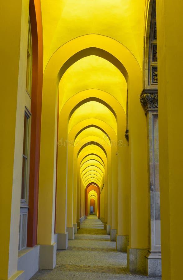 有曲拱的走道在慕尼黑 库存照片
