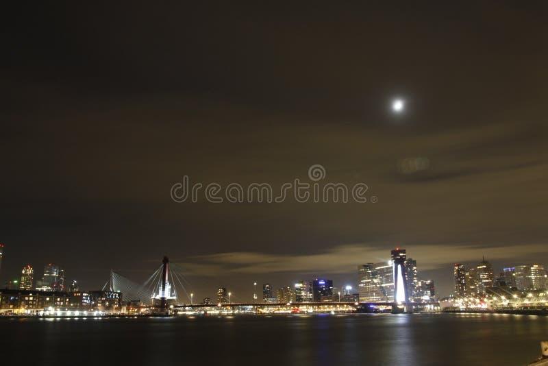 有月光的鹿特丹 库存照片