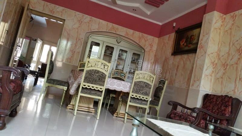 有有吸引力的家具的美好的室 免版税库存照片