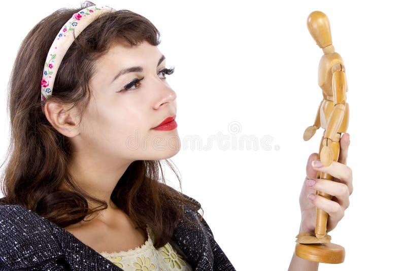 有木时装模特的妇女 免版税库存照片