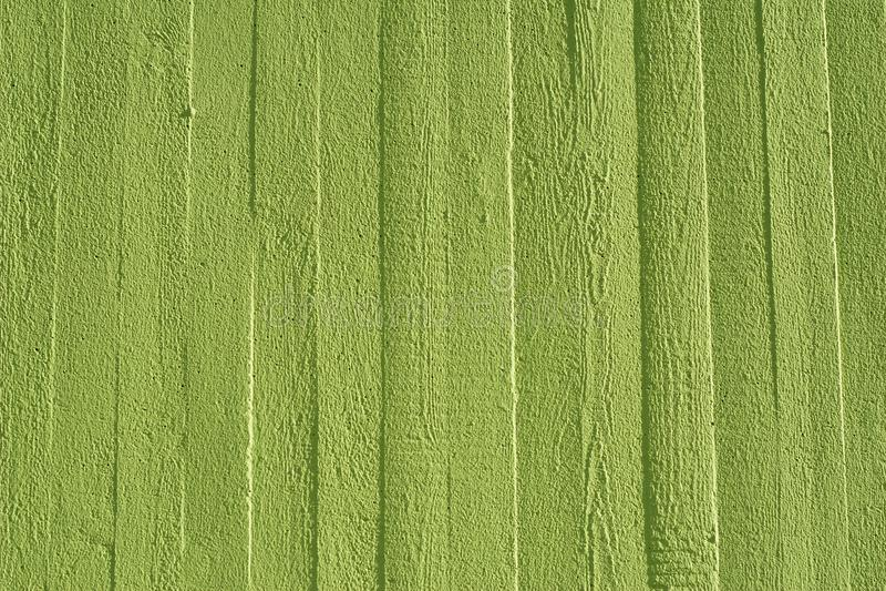 有木结构的绿色混凝土墙 免版税库存图片